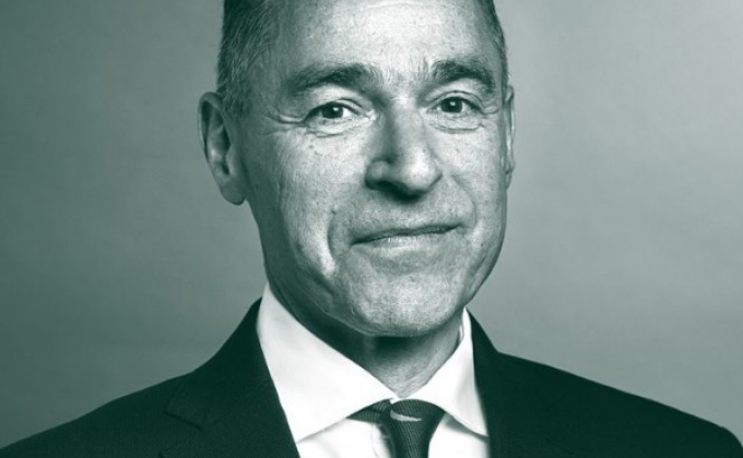 Francis Kean, Partner in McGill and Partners' Financial Lines team